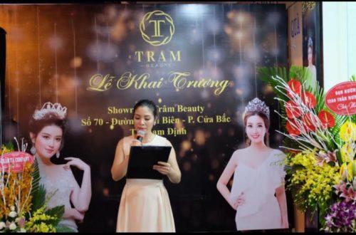 Bác sĩ Oanh trong lễ khai trương Trâm Beauty Nam Định
